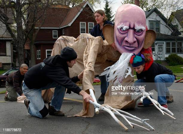 Joey McLeister/Star Tribune MinneapolisMnThursApril 28 2005In preparation for the 31st annual MayDay Parade and Festival puppeteers from The Heart of...