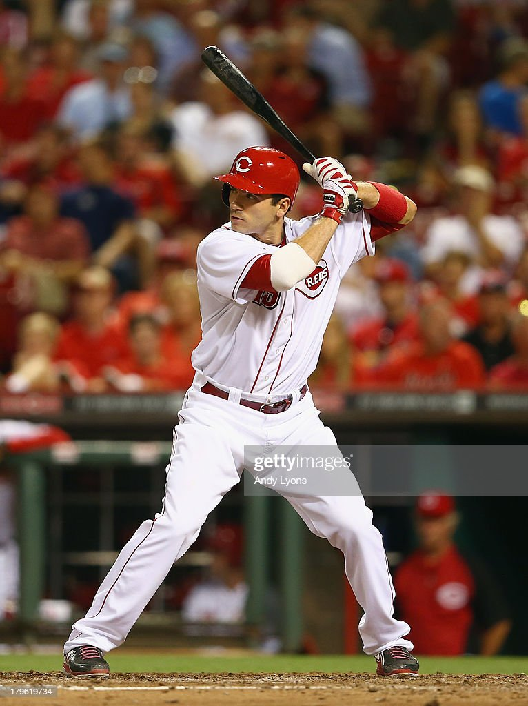 Joey Votto #19 of the Cincinnati Reds bats during the game against the St. Louis Cardinals at Great American Ball Park on September 5, 2013 in Cincinnati, Ohio.