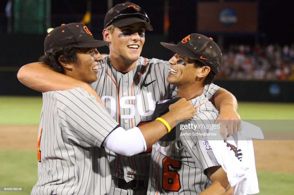Joey Wong , Jordan Lennerton and Darwin Barney of Oregon State