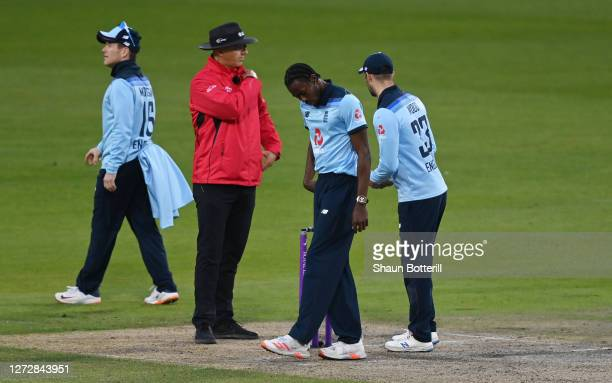 Jofra Archer of England checks his front foot landing after the wicket of Alex Carey of Australia is overturned due to a no ball during the 3rd Royal...
