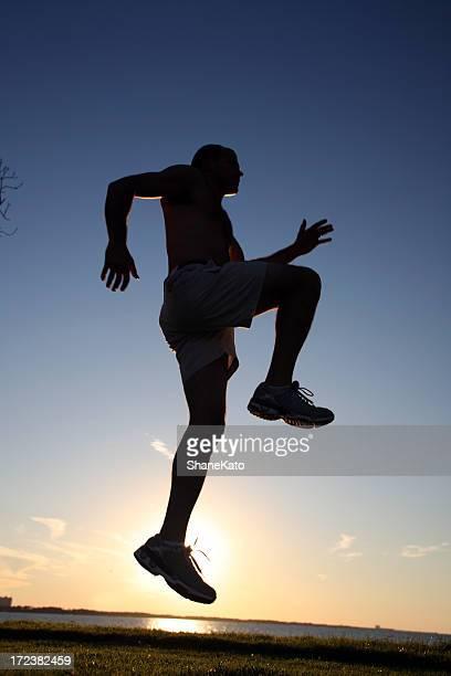 Jogger bei Sonnenuntergang