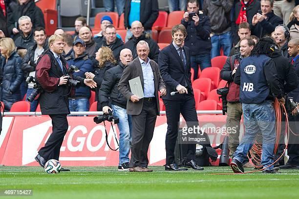 Johan Cruijff krijgt award van Michel Platini during the Dutch Eredivisie match between Ajax Amsterdam and SC Heerenveen at Amsterdam Arena on...