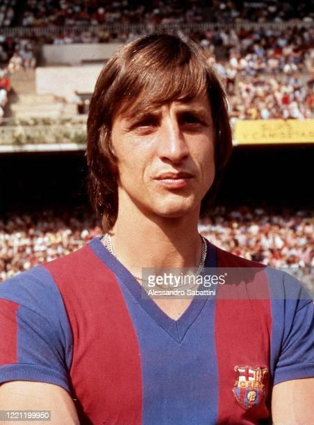 Johan Cruijff of Barcelona looks on.