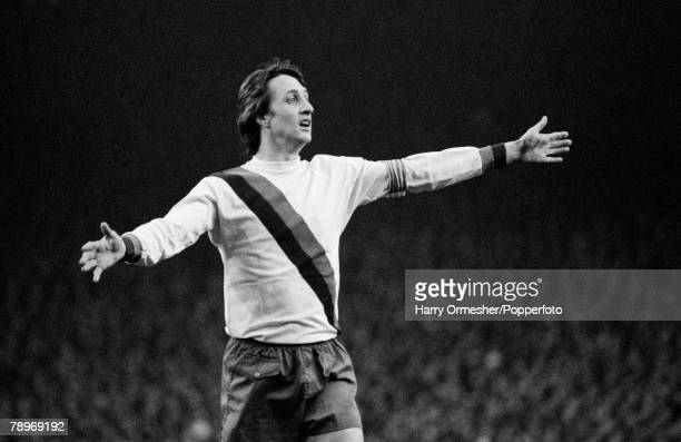 Football 14th April 1976 Anfield Liverpool UEFA Cup SemiFinal Second Leg Liverpool 1 v Barcelona 1 The legendary Johan Cruyff playing for Barcelona