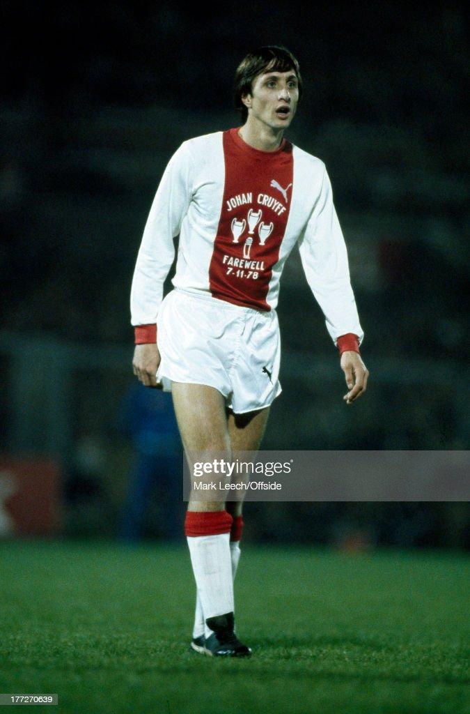 Football: Testimonial - Ajax v Bayern Munich : News Photo