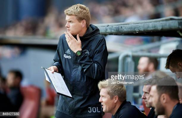 Johan Lange 1 assistant coach of FC Copenhagen looks on during the Danish Alka Superliga match between FC Copenhagen and FC Midtjylland at Telia...