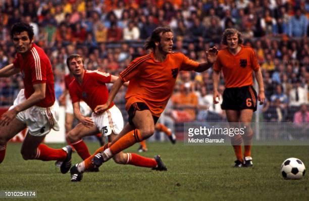 Johan Neeskens of Netherlands during the FIFA World Cup match between Netherlands and Austria at Estadio Olímpico Chateau Carreras Cordoba Argentina...