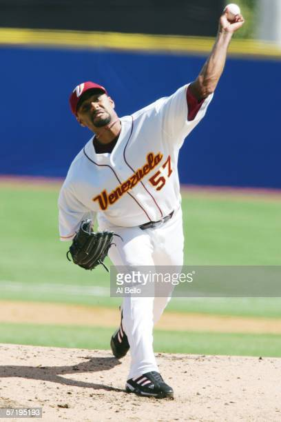 Johan Santana of Venezuela pitches against Cuba during their Round 2 game at the World Baseball Classic on March 12, 2006 at Hiram Bithorn Stadium in...