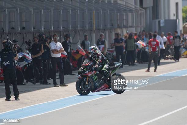 Johann Zarco of France and Monster Yamaha Tech 3 retired and returns in box during the MotoGP race during the MotoGp of France Race on May 20 2018 in...