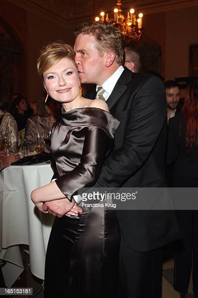 Johanna Christine Gehlen Und Freund Sebastian Bezzel Bei Der 30 Verleihung Des Bayerischen Filmpreis Im Cuvillies Theater In München Am 160109