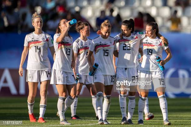 Johanna Elsig , Sara Daebritz , Marina Hegering, Giulia Gwinn, Sara Doorsoun and Klara Buehl of Germany celebrate after the 2019 FIFA Women's World...