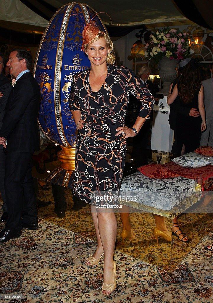 Celebrities Attend Crown Oaks Day