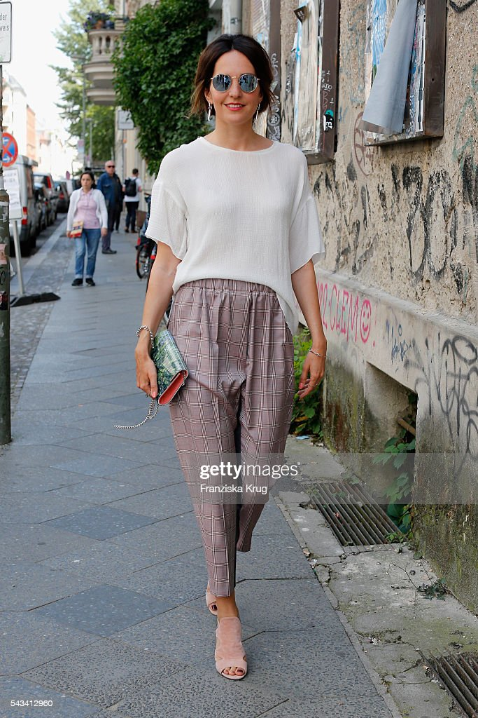 Dawid Tomaszewski Arrivals - Mercedes-Benz Fashion Week Berlin Spring/Summer 2017 : News Photo