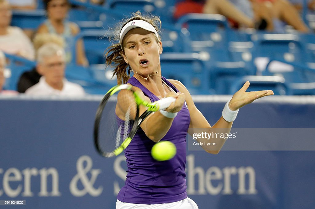 Johanna Konta of Great Britain hits a return in her match against Agnieszka Radwanska during day 6 of the Western & Southern Open at the Lindner Family Tennis Center on August 18, 2016 in Mason, Ohio.