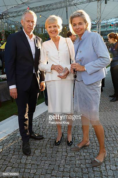 Johannes B Kerner Friede Springer and Inga GrieseSchwenkow attend the BILD100 event on September 06 2016 in Berlin Germany