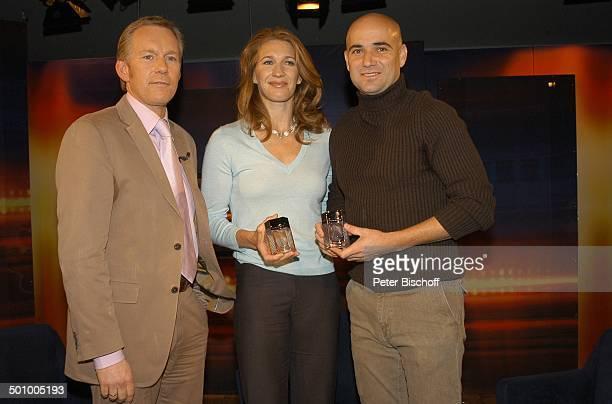 """Johannes B. Kerner, Steffi Graf, Ehemann Andre Agassi, ZDF-Talk-Show """"J o h a n n e s B . K e r n e r - S h o w"""", , in Herzogenauchrach, Deutschland,..."""