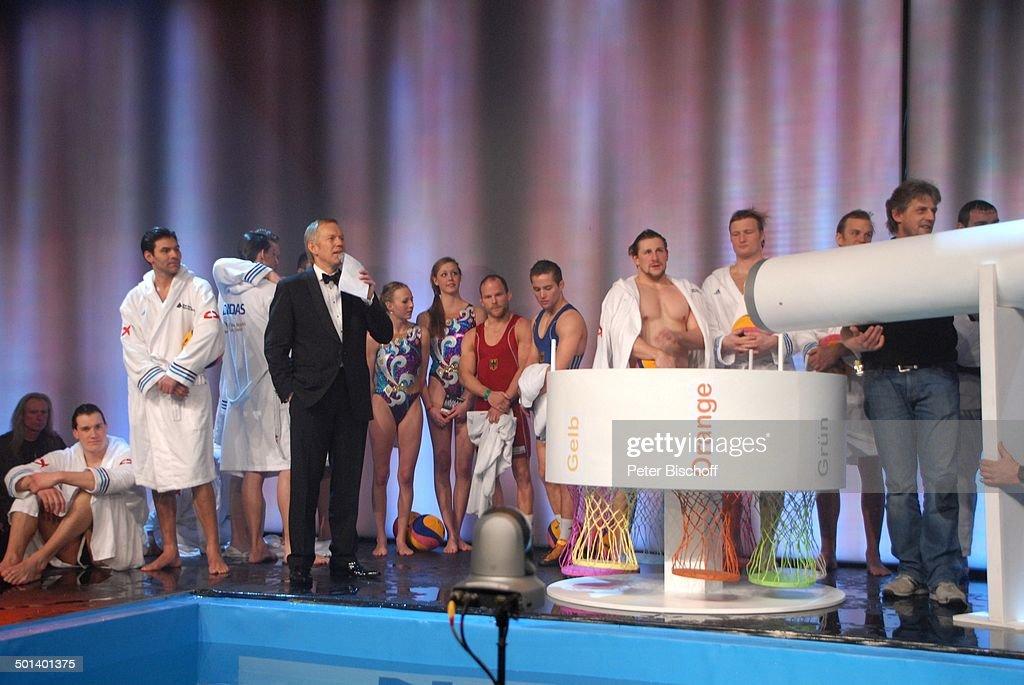Bb Wiesbaden johannes b kerner vorne moderator und wasserballer gala 42