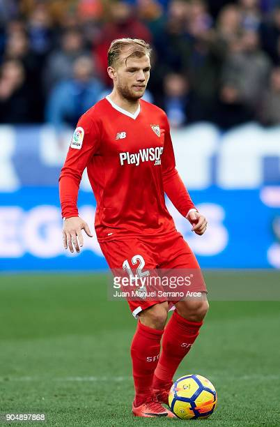 Johannes Geis of Sevilla FC controls the ball during the La Liga match between Deportivo Alaves and Sevilla FC at Mendizorroza stadium on January 14...