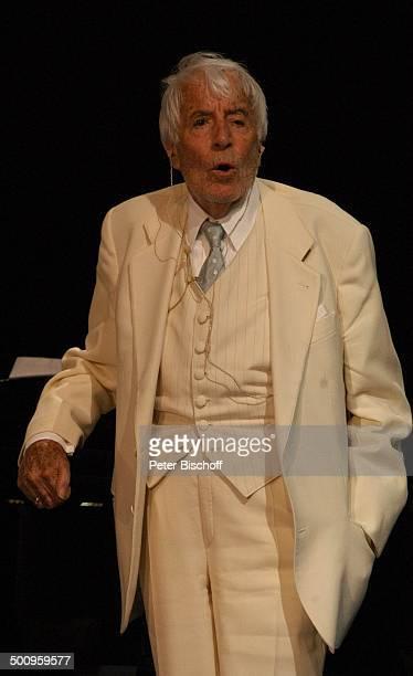 Johannes Heesters Russischer Staatscircus München Zirkus Staatszirkus Klavier Piano Auftritt Bühne singen singend Schauspieler Sänger Promi Charmeur...