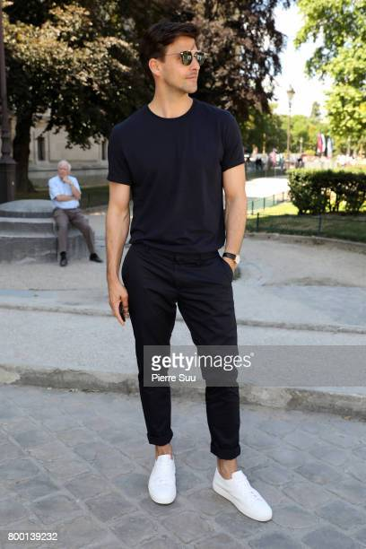 Johannes Huebl arrives at the Cerruti Menswear Spring/Summer 2018 show as part of Paris Fashion Week on June 23 2017 in Paris France