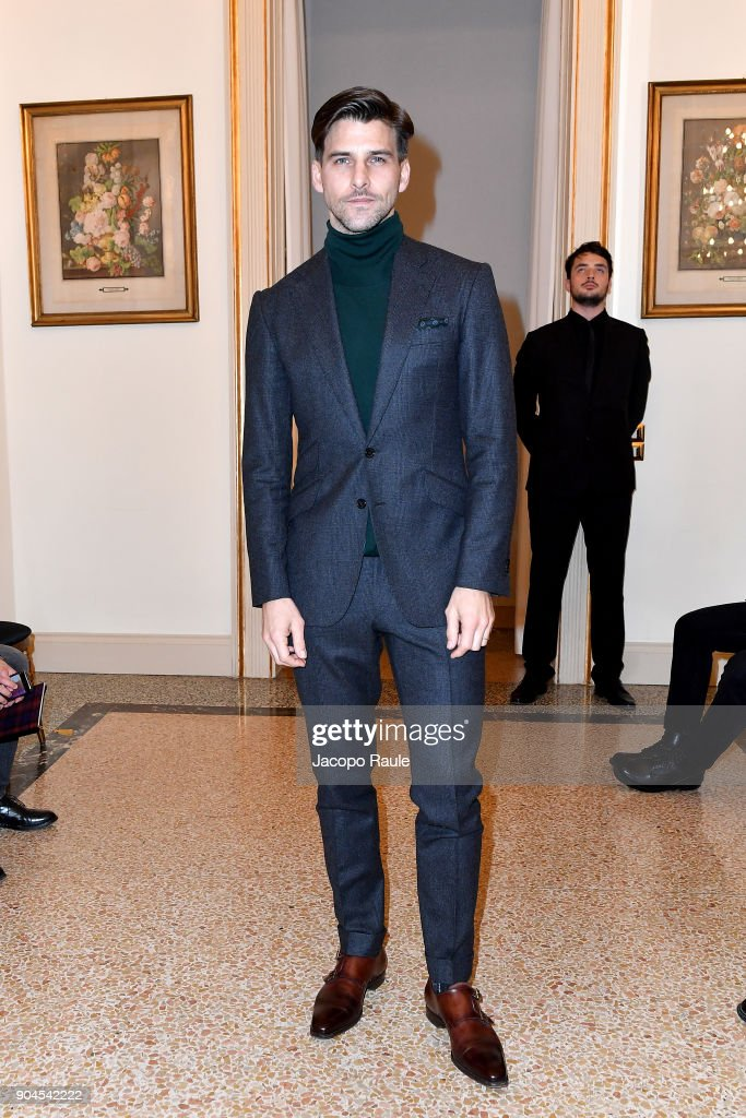 Johannes Huebl attends the Versace show during Milan Men's Fashion Week Fall/Winter 2018/19 on January 13, 2018 in Milan, Italy.