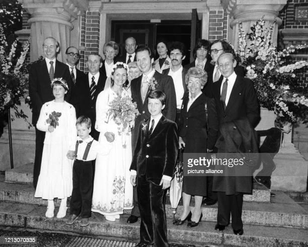 Johannes Neckermann der seine erste Frau Ingrun Möckel 1977 bei einem tragischen Autounfall verlor heiratete am in der russischeorthodoxen Kirche in...