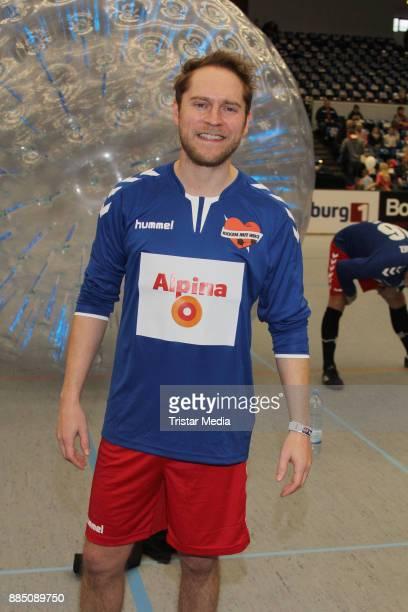Johannes Oerding during 'Kicken Mit Herz' on December 3 2017 in Hamburg Germany