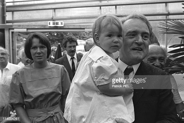 Johannes Rau State Premier Of North RhineWestphalia In Cologne Germany In June 1985Johannes Rau With Wife Christina And Daughter Anna ** Nb 234185 **