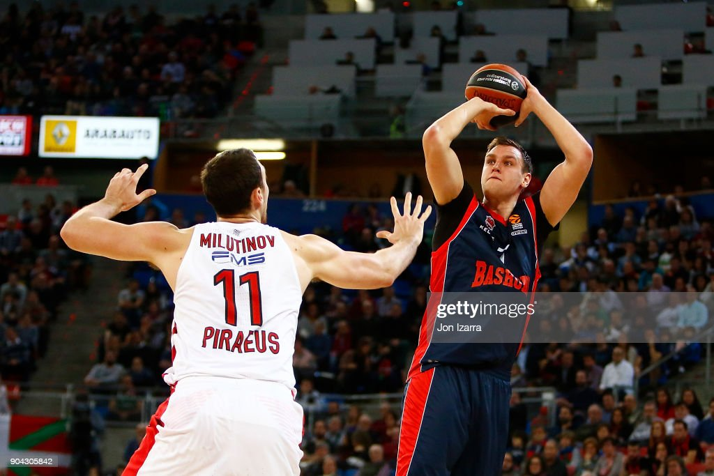 Johannes Voigtmann, #7 of Baskonia Vitoria Gasteiz in action during the 2017/2018 Turkish Airlines EuroLeague Regular Season Round 17 game between Baskonia Vitoria Gasteiz and Olympiacos Piraeus at Fernando Buesa Arena on January 12, 2018 in Vitoria-Gasteiz, Spain.