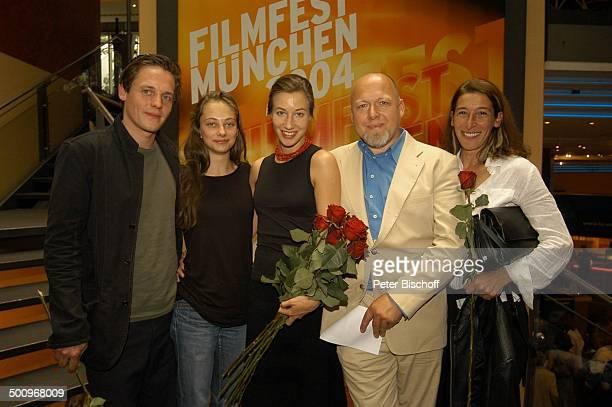 Johannes Zirner Heike Warmuth Johanna Wokalek Rainer Kaufmann Adele Neuhauser ZDF Film Die Kirschenkönigin Filmfest München 2004 München Rosen...