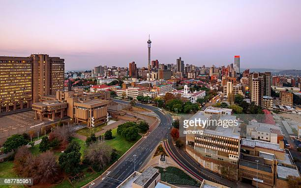 johannesburg skyline with hillbrow tower, gauteng province, south africa - gauteng province stock pictures, royalty-free photos & images