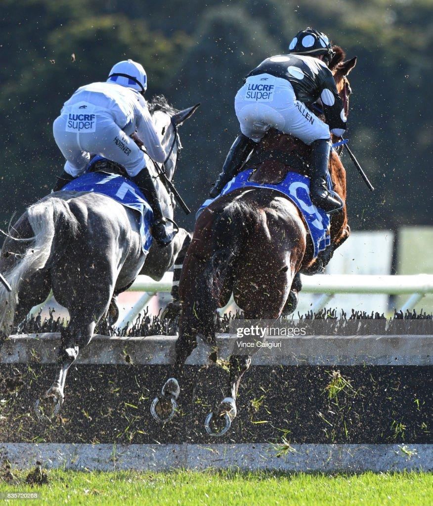The Grand National Steeple Day