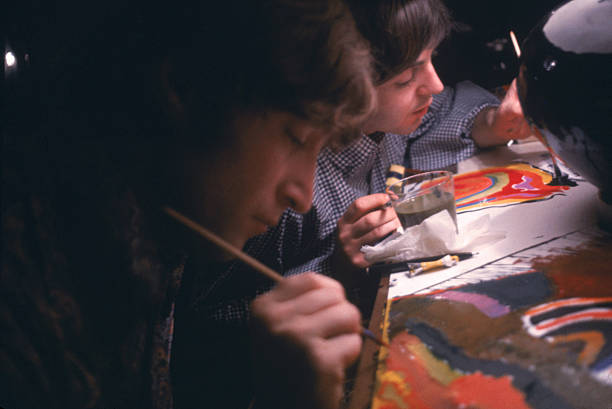UNS: In The News: Personalities Who Paint