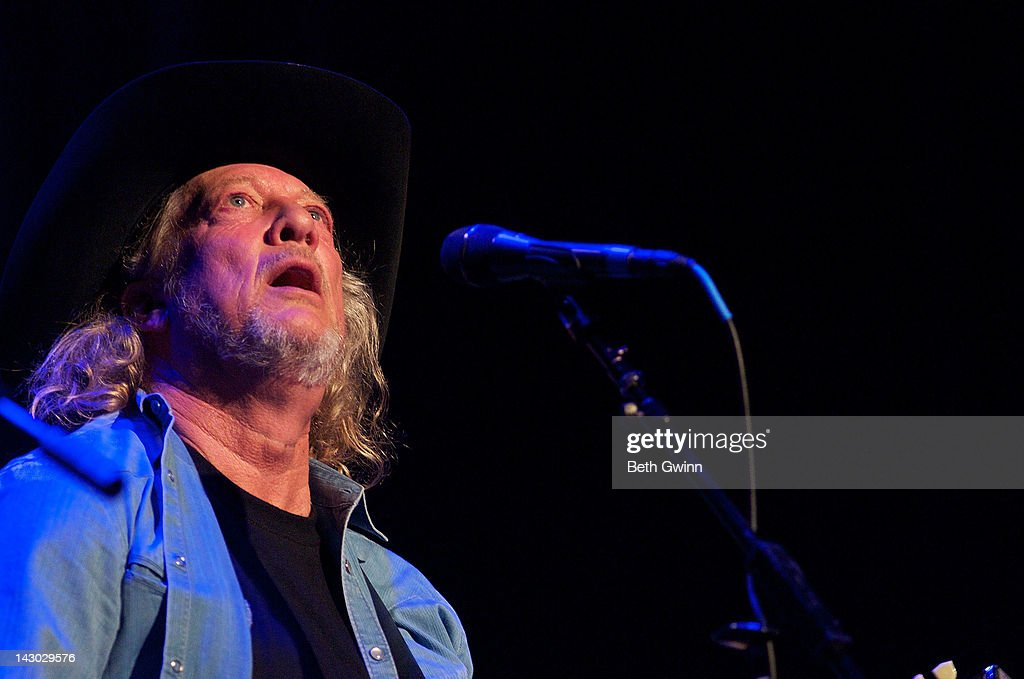 John Anderson Plays The Mental Health America Of Middle Tennessee At
