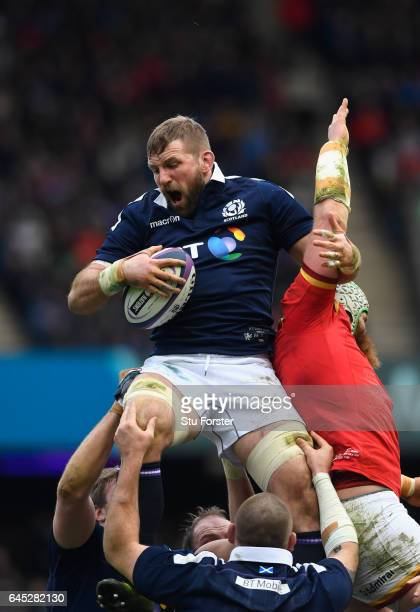 John Barclay of Scotland beats Jake Ball of Wales to a lineout ball during the RBS Six Nations match between Scotland and Wales at Murrayfield...