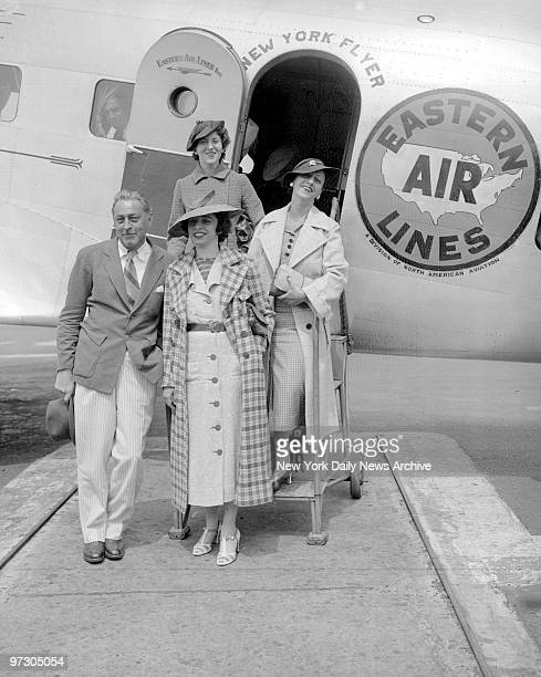 John Barrymore arrives at Newark Airport from Havana with Elaine Barrie her mother and Beatrice Drake