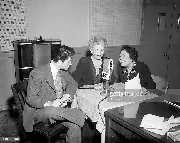 John Barrymore Jr now making his first picture goes on air for the first time in his life And for Louella Parsons of course Center is Ethel Barrymore...