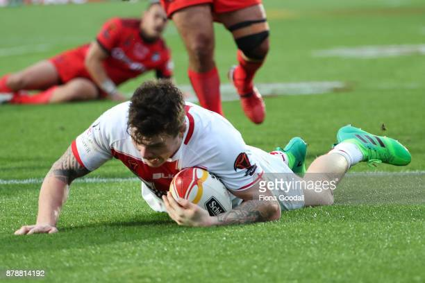 John Bateman of England scores a try during the 2017 Rugby League World Cup Semi Final match between Tonga and England at Mt Smart Stadium on...