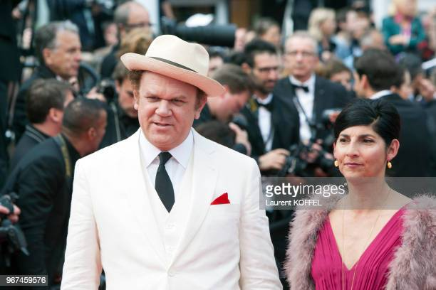 John C Reilly et Alison Dickey lors de la première du film 'La glace et le ciel' et de la cérémonie de clôture du 68eme Festival du Film Annuel au...
