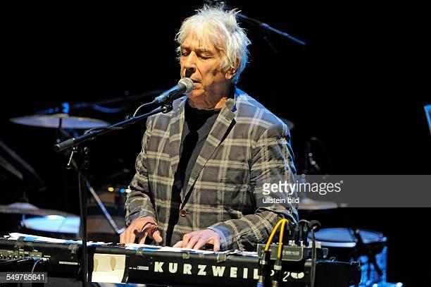 John Cale der britische ArtrockMusiker bei einem Konzert auf Kampnagel K6 in Hamburg