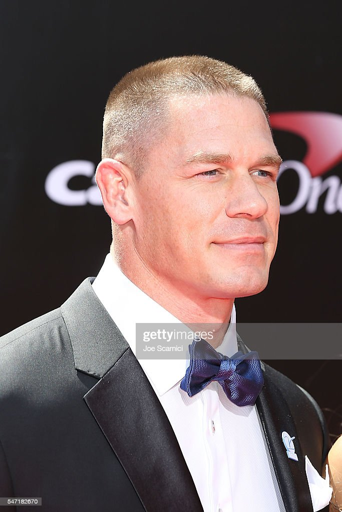 The 2016 ESPYS - Arrivals : ニュース写真
