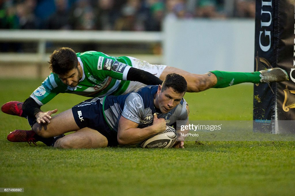 John Cooney of Connacht scores a try during the Guinness PRO12 Round 10 match between Connacht Rugby and Benetton Treviso at the Sportsground in Galway, Ireland on December 3, 2016