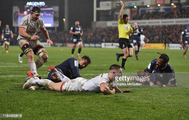John Cooney of Ulster scores a try during the Heineken Champions Cup Round 2 match between Ulster Rugby and ASM Clermont Auvergne at Kingspan Stadium...