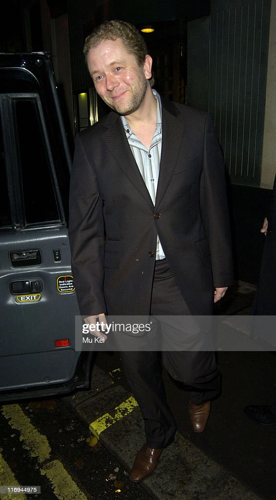 Celebrity Sightings at the Ivy - November 1, 2005