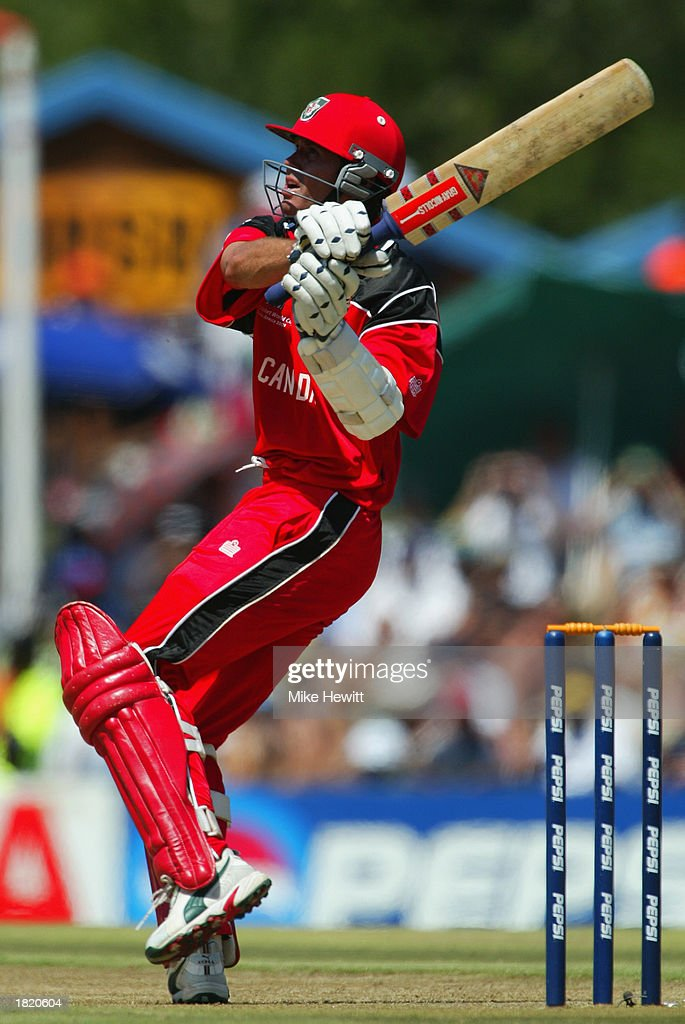 John Davison of Canada hooks a six on his way to scoring the fastest hundred in World Cup history : News Photo