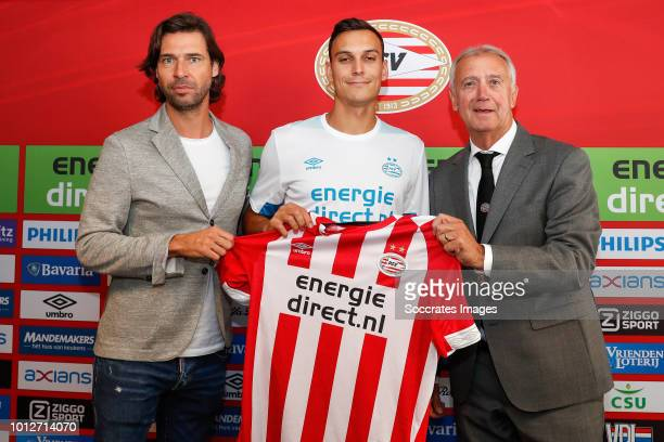 John de Jong Trent Sainsbury of PSV Willy van der Kuijlen during the Contract Signing Trent Sainsbury PSV at the Philips Stadium on August 7 2018 in...