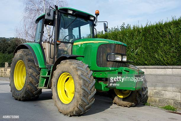 john deere 6220 tractor - john deere stock pictures, royalty-free photos & images