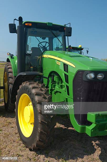 john deere 8330 tractor - john deere stock pictures, royalty-free photos & images