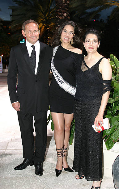 John Demsey, President of MAC Cosmetics, Miss Universe Amelia Vega and Lilia Garcia-