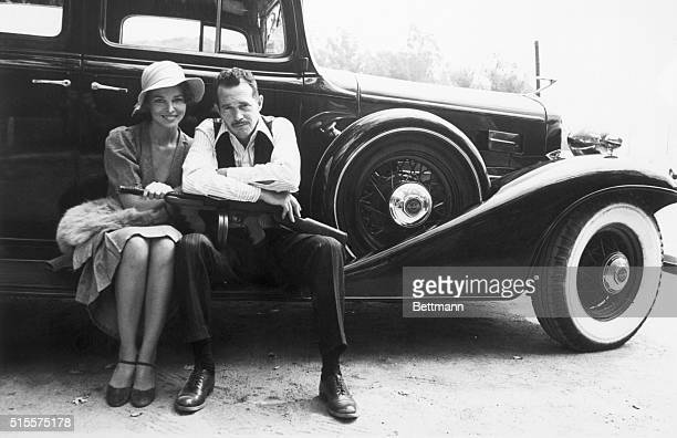 John Dillinger played by Warren Oates and his girl Billie Frechette played by Michele Phillips share a peaceful moment before the shooting starts for...